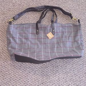 Zippered tote bag new
